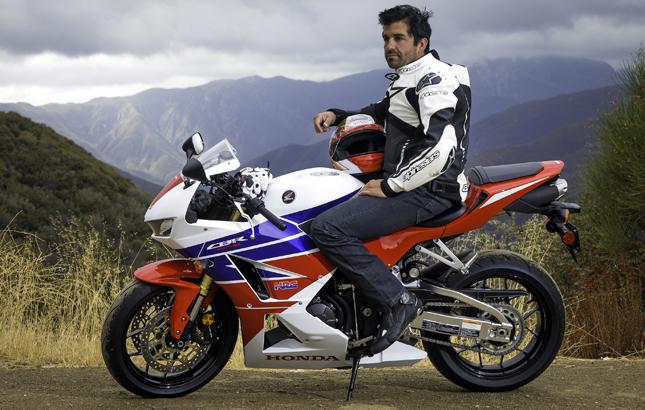 Der HESD-Lenkungsdämpfer kommt aus der Moto GP und verbessert vollautomatisch die Fahrstabilität.